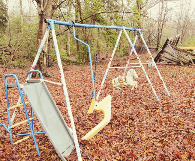 deer-house-swing-better-web