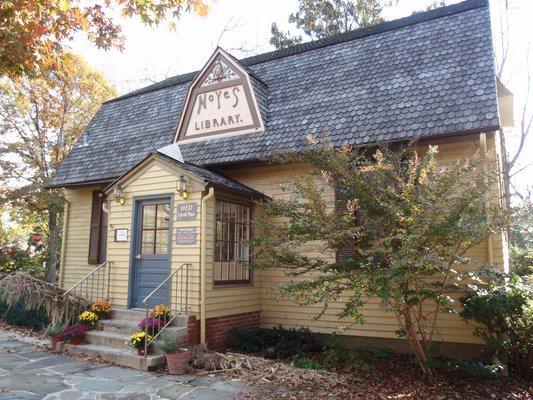 Noyes Children's Library